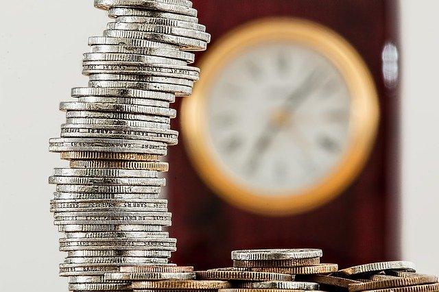 chwilówka a pożyczka ratalna