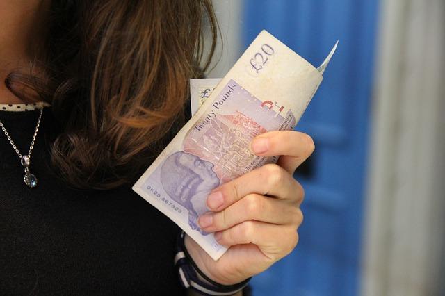 Parabanki ratunkiem dla osób z zadłużeniem wynikającym z alimentów?
